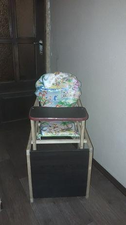 Стульчик  для кормления ребенка, столик