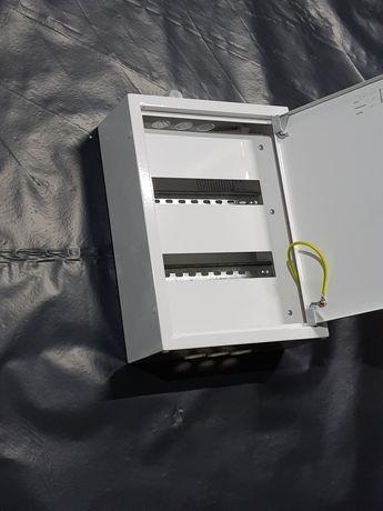 Skrzynka elektryczna 2 x 12 nadtynkowa