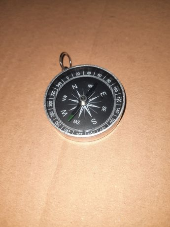 Mini bússola de metal