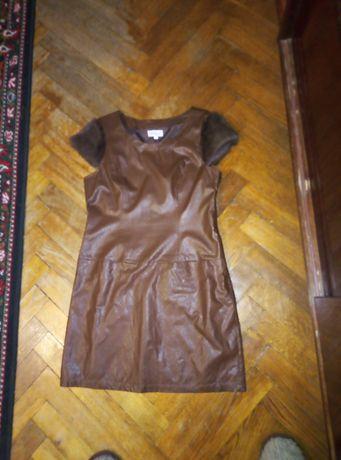 Платье кожзам, рукава натуральный мех. Размер М.  Полуобьем груди 47