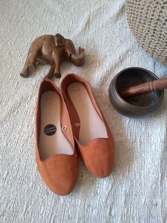 Мокасины, туфли, тапочки 40-41