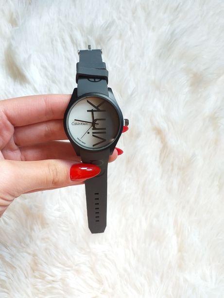 Siwy zegarek