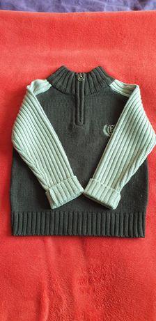 Brązowo-beżowy ciepły sweterek
