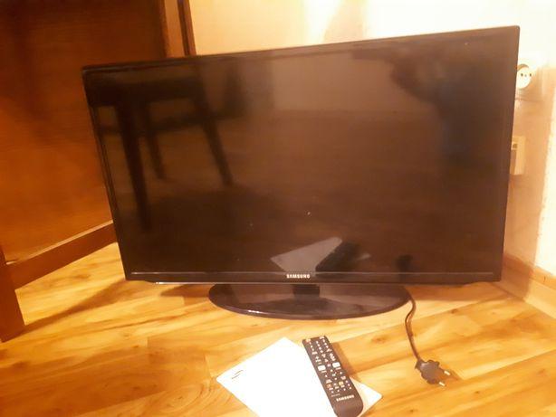 Телевизор Самсунг 32' с битой матрицей