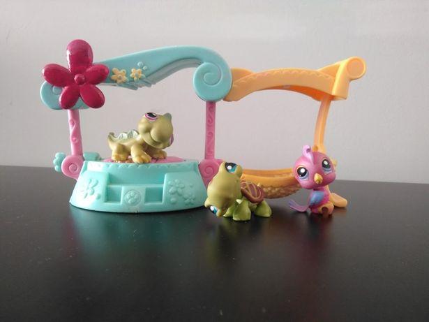 Łóżko i hamak Littlest Pet Shop + trzy figórki