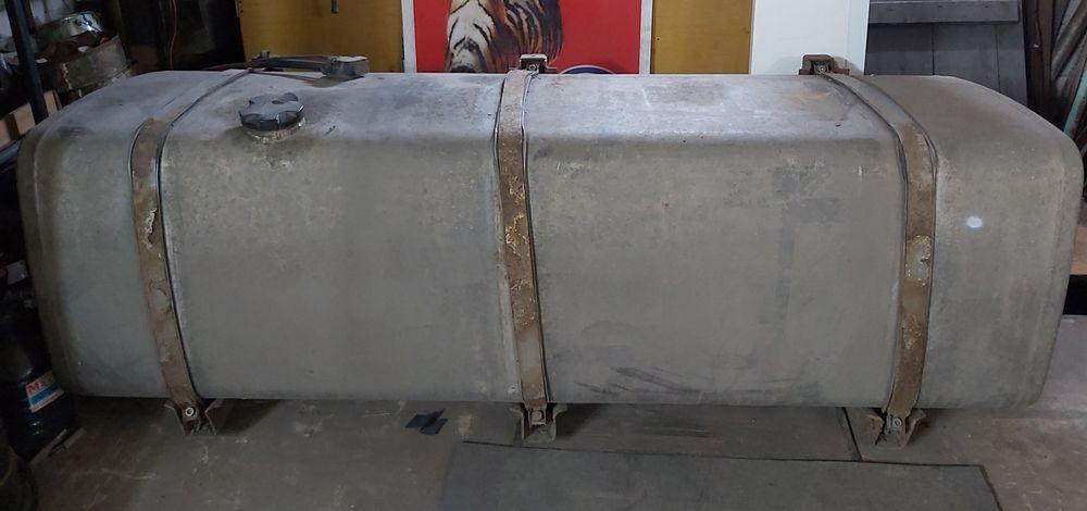 Продам бак топливный 970 л на грузовой  автомобиль. Днепр - изображение 1