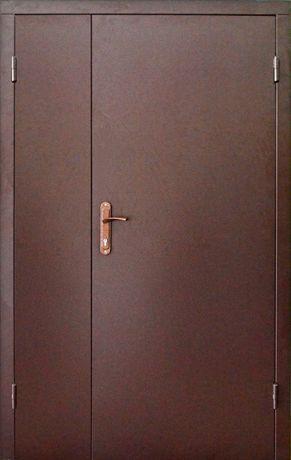 Тамбурные двустворчатые входные двери в коридор