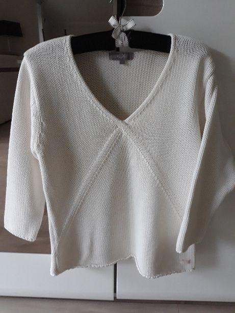 Śweterek damski.