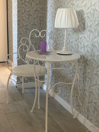 Bajkowy stoliczek z krzesełkiem