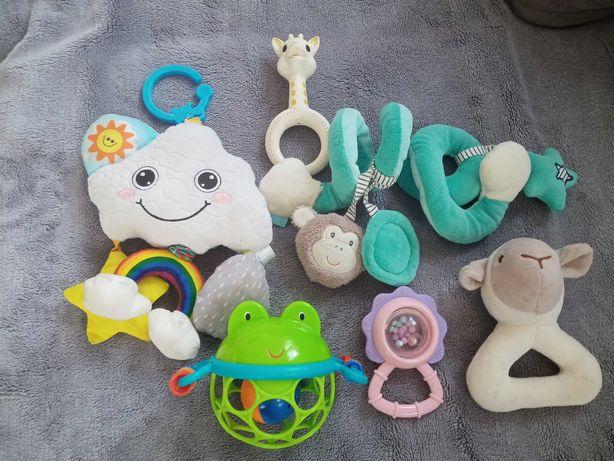 Komplet zabawek dla dzieci.