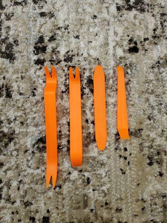 Сьемник пластика Набор съемников пистонов, обшивки салона, панелей