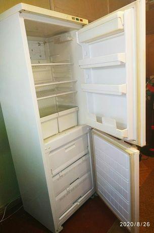 Холодильник рабочий( на запчасти)