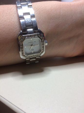 Женские наручные часы Jemis