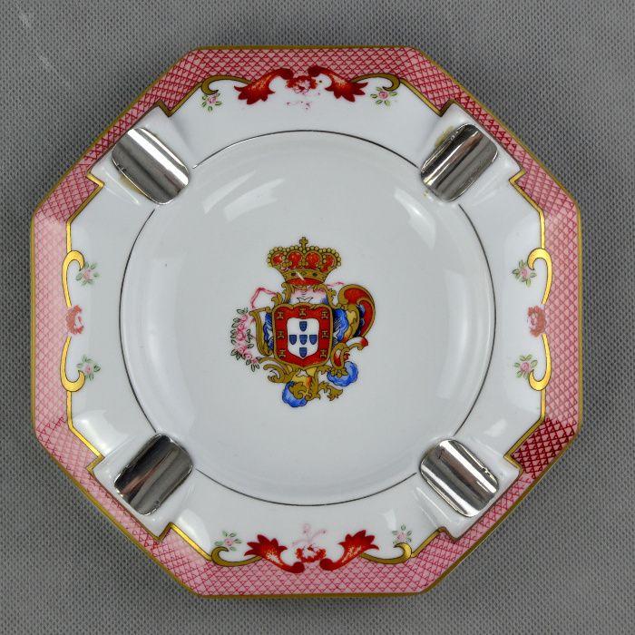 Cinzeiro em Porcelana e Prata – Com brasão da Monarquia