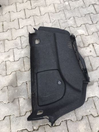 Boczek prawy bagaznika audi a3 8v sedan