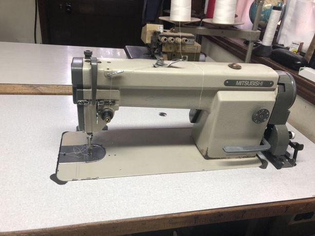 Máquina de costura de ponto corrido