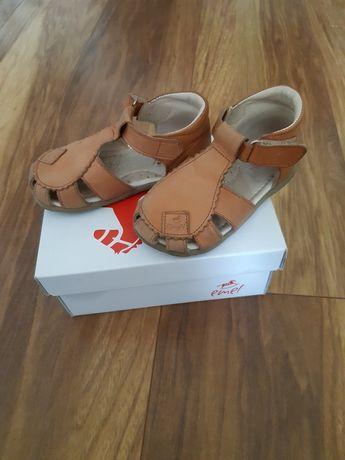 Sandałki Emelki rozmiar 23