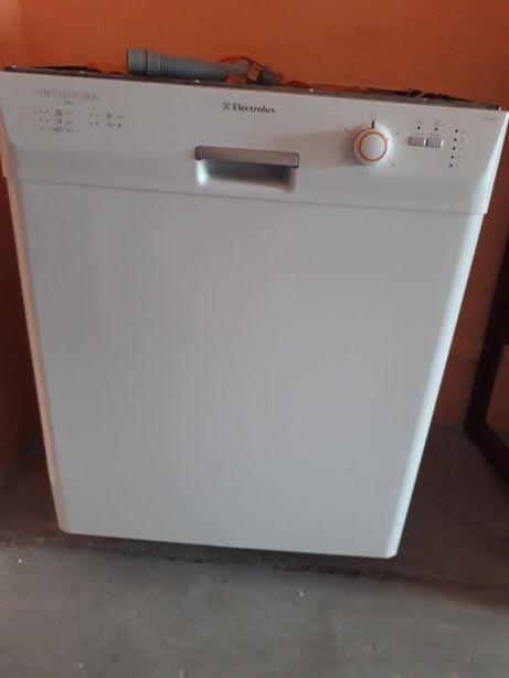 Продам посудомоечную машину Electrolux Intuition