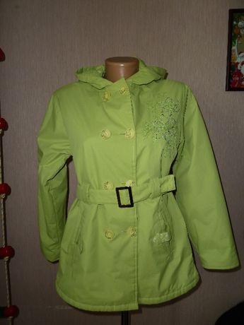 Куртка, плащ, р S или на девочку 13-16 лет