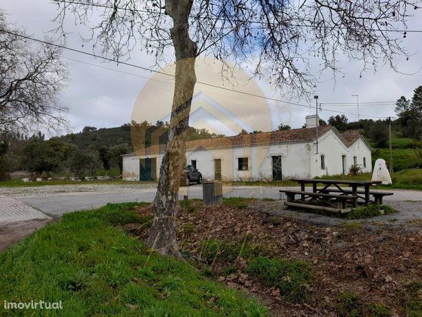 Casa térrea no meio da natureza - enorme potencial - Loul...