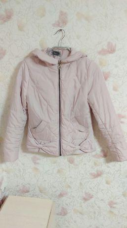 Куртка демісезонна 42 розмір