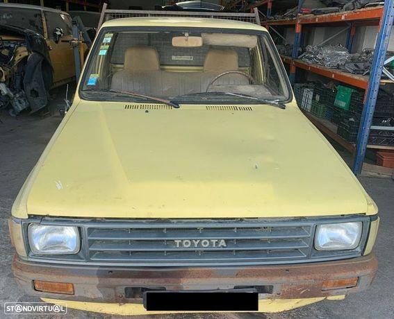 Toyota Hilux 2.4D Ref Motor 2L de 1988 para peças