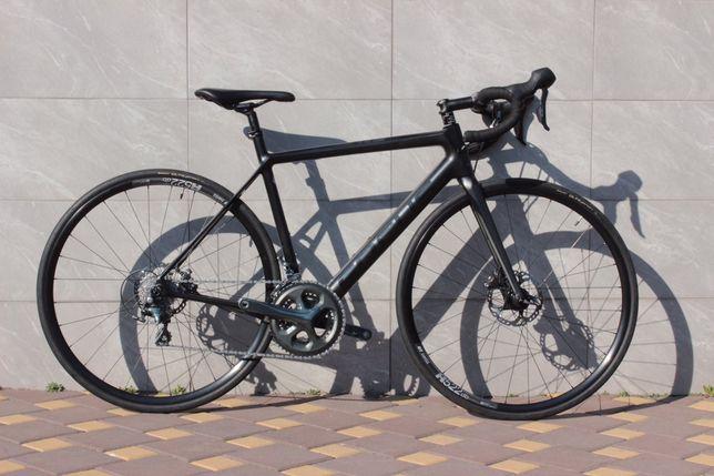 Продам карбоновый шоссейный велосипед