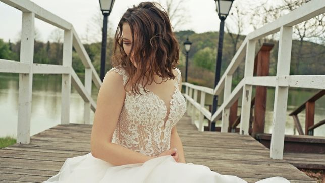 Suknia ślubna gorset koronka ecru 2020