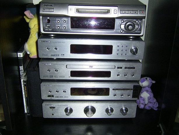 Wieża Hitachi AX-M140+MiniDisc Sony MDS-S40.