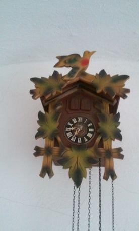 Zegar Szwarcwaldzki z podwojną kukułką