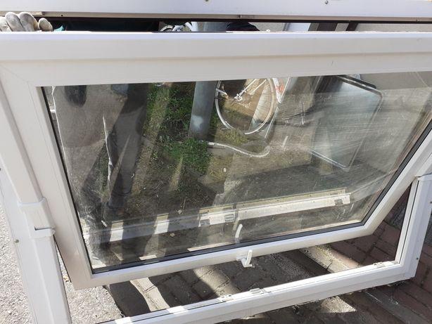 Okno Plastikowe biało Brązowe uchylne.