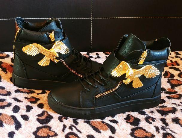 Модные демисизонные ботинки