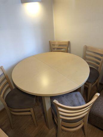 Drewniany,rozkładany stół z zestawem 6 krzeseł