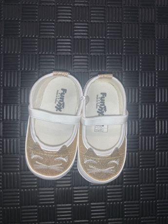 Золотые туфельки для девочки 19