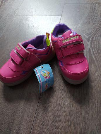 Кросовки на девочку с светящейся подошвой,24й размер