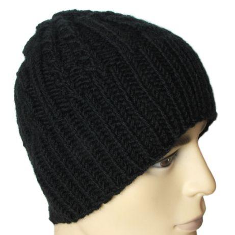 Czarna męska ciepła czapka - rękodzieło