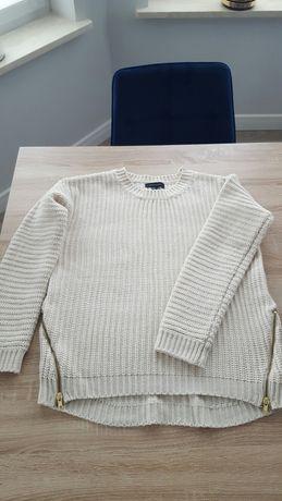 Kremowy sweter L