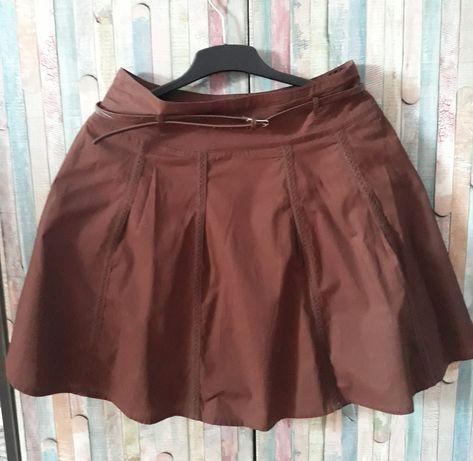 Brązowa spódnica rozkloszowana z paskiem 40