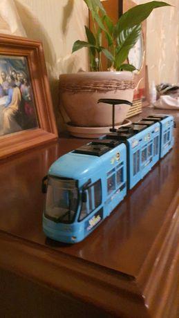 Трамвай игрушка.