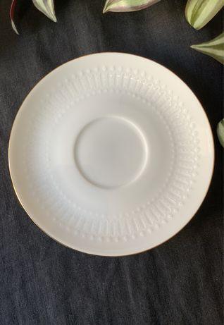 Винтажные кружевные белые десертные тарелки