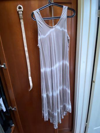 Vestido Midi beige com nuances brancas fluido