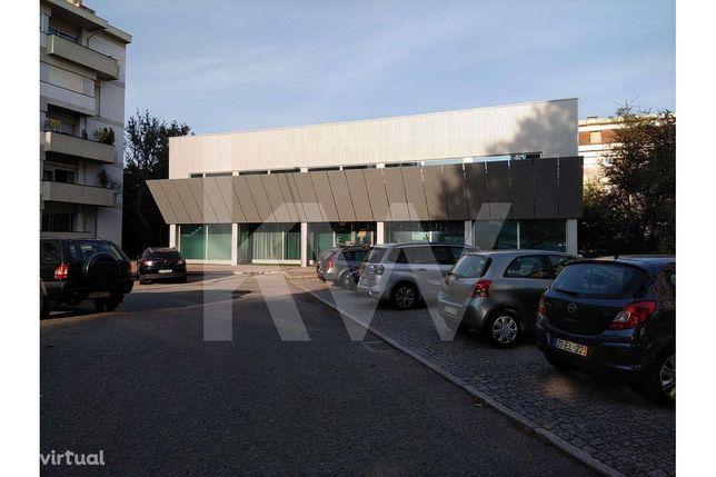 Loja / Escritório com 305m² para venda na Foz do Douro
