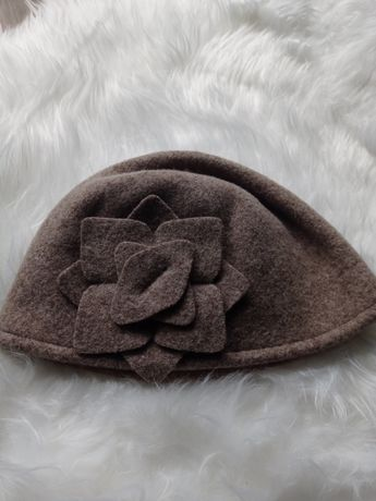 Brązowa czapka na jesień i zimę z wełną