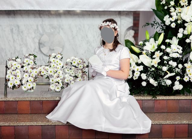 Sukienka komunijna bolerko torebka wianek bransoletka