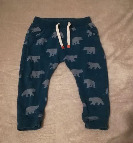 Spodnie dresowe chłopięce niemowlęce John Lewis na 18-24 mies.
