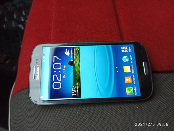 Мобильный телефон Samsung Galaxy S 3 GT - I9300