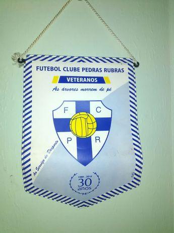 Peça coleção Futebol Club Pedras Rubras bandarilha