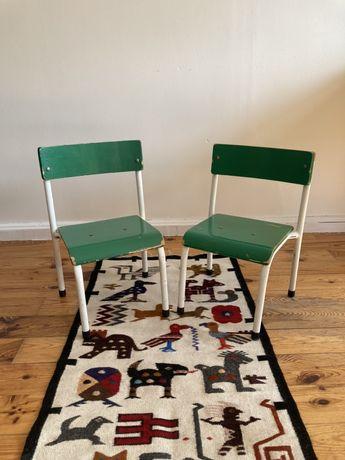 Piękne stare krzesełka dziecięce vintage design old school PRL