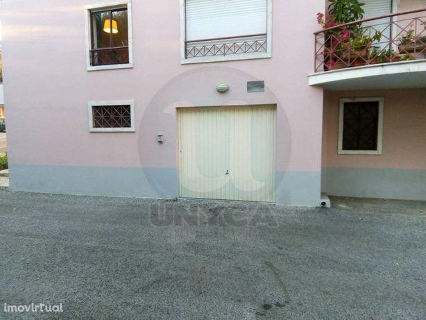 Garagem em Lourel - Sintra