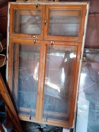 Окно деревянное с рамой